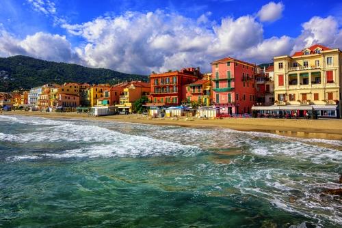 Touristische Stadt Alassio an der italienischen Riviera,Italien