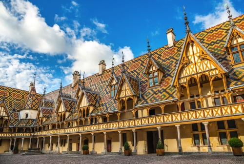 Innenhof des Hôtel-Dieu, Beaune, Frankreich