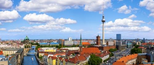 Skyline von Berlin mit Alexanderplatz, Berliner Dom und Fernsehturm, Deutschland