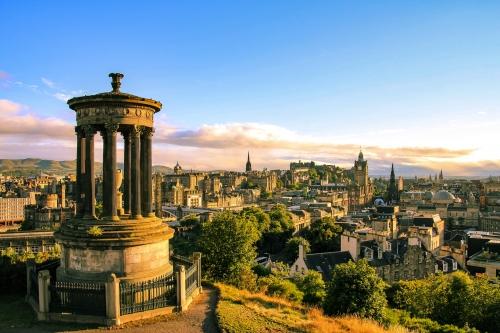 Blick von Carlton Hill über Edinburgh, Schottland