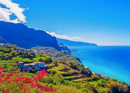 Panorama von Madeira-Insel, portugiesischer Archipel. Ponta de Sao Jorge an der Ozeanküste