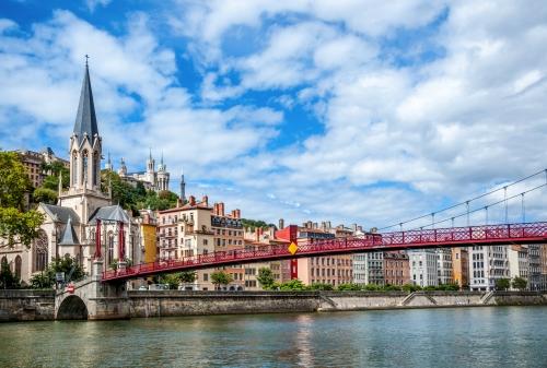 Eglise Saint Georges und das alte Lyon von den Ufern der Saône aus gesehen