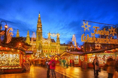 Christkindlmarkt am Rathausplatz in Wien, Österreich