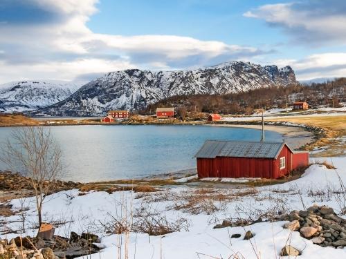 Ansicht von Elgsnes und von Andfjord in Harstad, Provinz Troms, Nord - Norwegen