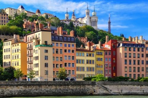 Lyon-Stadtbild von der Saone mit bunten Häusern,Frankreich