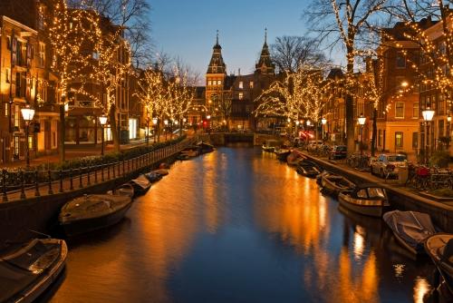 Weihnachtszeit in Amsterdam mit dem Rijksmuseum in den Niederlanden