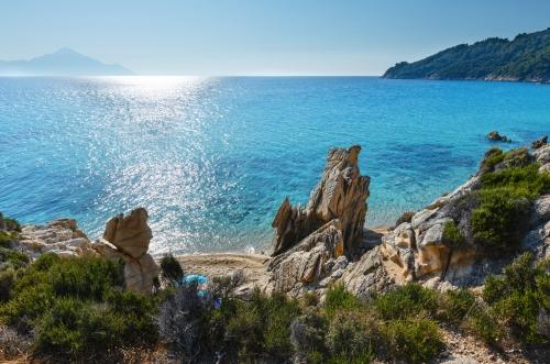 felsige Küste von der Halbinsel Sithonia