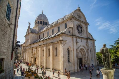 Kirche der Heiligen Barbara in Šibenik, Kroatien