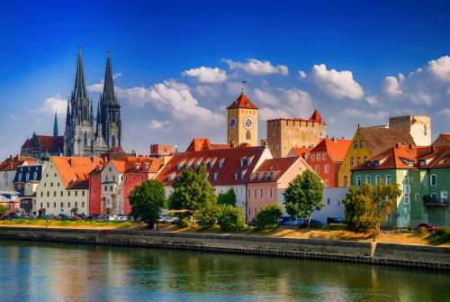 Donau und der Dom in Regensburg, Deutschland