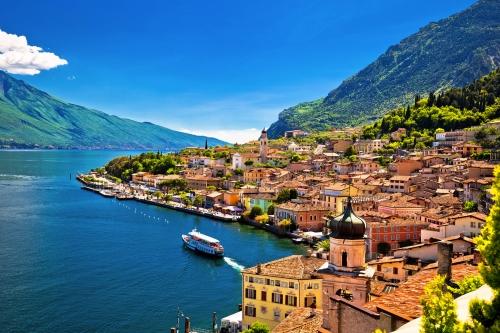 Limone sul Garda in der Lombardei am Gardasee, Italien