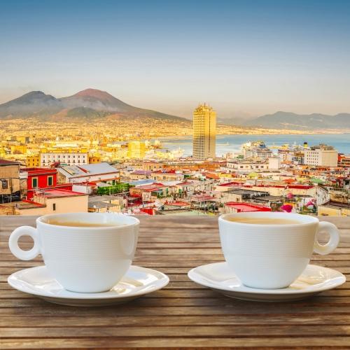 Kaffee für zwei in Neapel, Italien