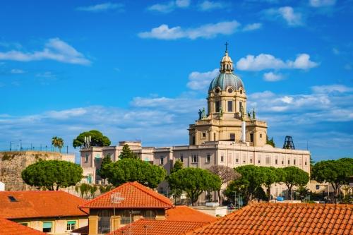 historische Kirche im Stadtzentrum von Messina auf Sizilien, Italien