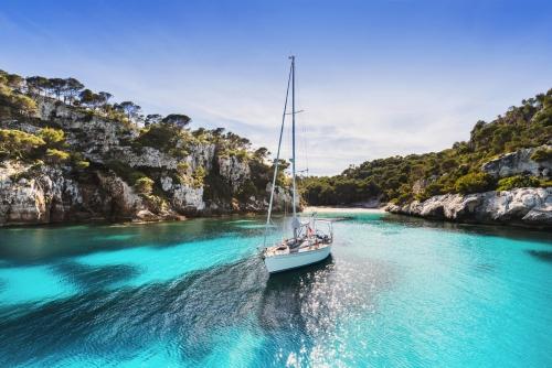 Cala Macarelleta auf der balearischen Insel Menorca, Spanien
