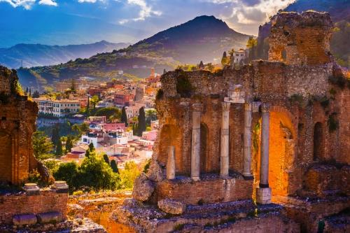 Ruinen des Taormina Theaters auf Sizilien, Italien