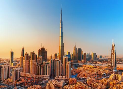 Dubai bei Sonnenuntergang in den Vereinigten Arabischen Emiraten