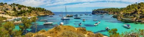 wunderschöne Bucht auf der balearischen Insel Mallorca, Spanien