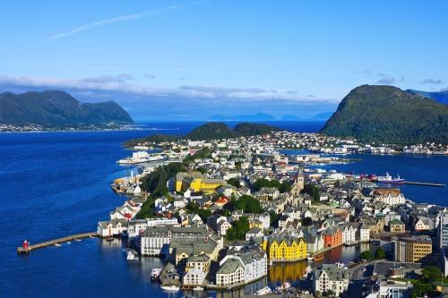 Ålesund auf der Insel Nørvøy