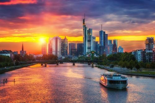Frankfurt am Main bei Sonnenuntergang, Deutschland