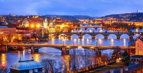 Prag in der Dämmerung