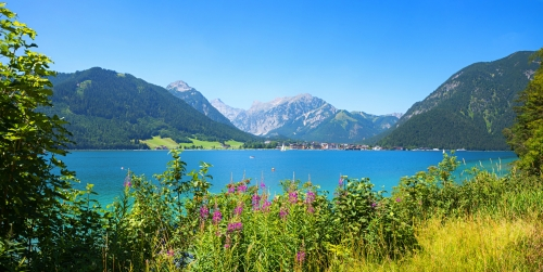 Blick von Pertisau auf den Achensee, Österreich