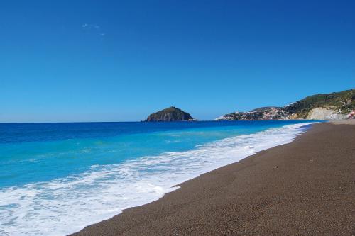 Spiaggia dei Maronti, Ischia