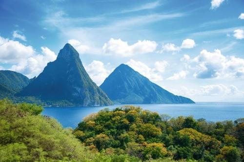 Pitons von St. Lucia in der Karibik