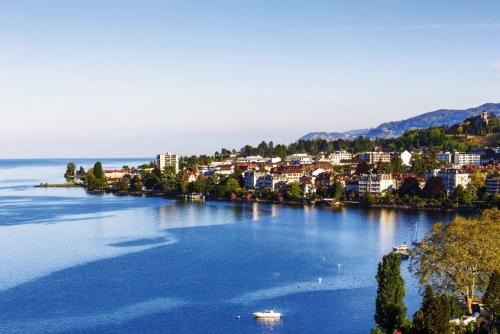 Luftbild von Gebäuden von Montreux