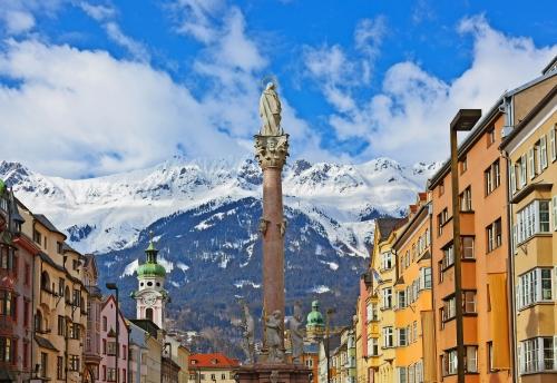 Our Lady-Statue in der Altstadt in Innsbruck Österreich