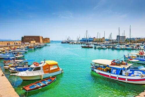 Alte Hafen mit Booten in Heraklion, Kreta