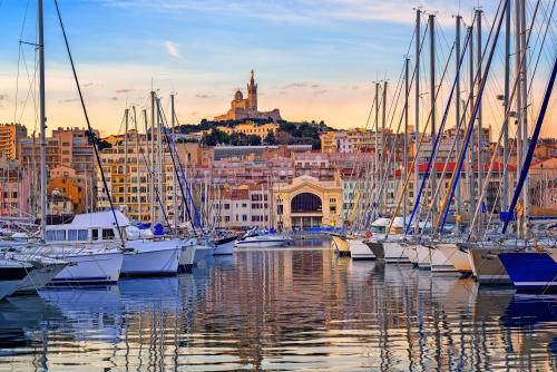 Yachten im alten Hafen von Marseille, Frankreich