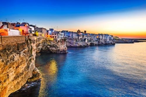 Polignano a Mare nahe Bari in Apulien, Italien