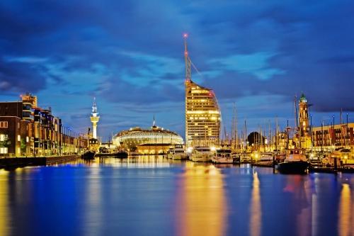 Abendstimmung an den Havenwelten ? Bremerhaven