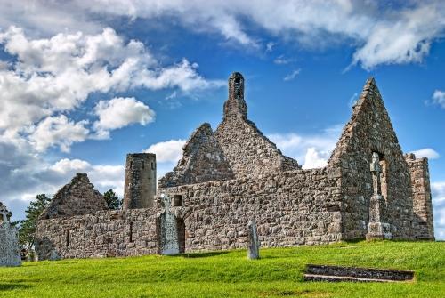 Kloster von Clonmacnoise, Irland
