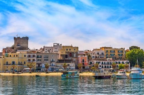 Forio ist die zweitgrößte Stadt von Ischia