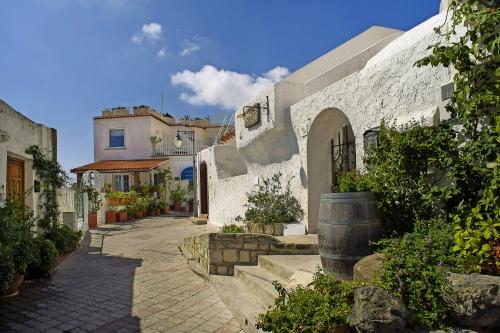 Italien, Ischia; Dorf Sant'Angelo, Südseite der Insel.