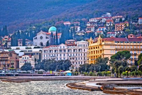 Blick auf Opatija, Kroatien