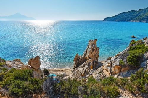 Felsige Küste Sithonia, Griechenland.